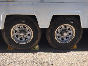 wheel chocks, 5th wheel stabilizing, motorhome, travel trailer, 5th wheel. stabilizing trailer, rv life, rv life on the road, nomad